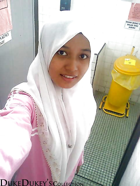 from Avi galery pict seks with hijab teen girls