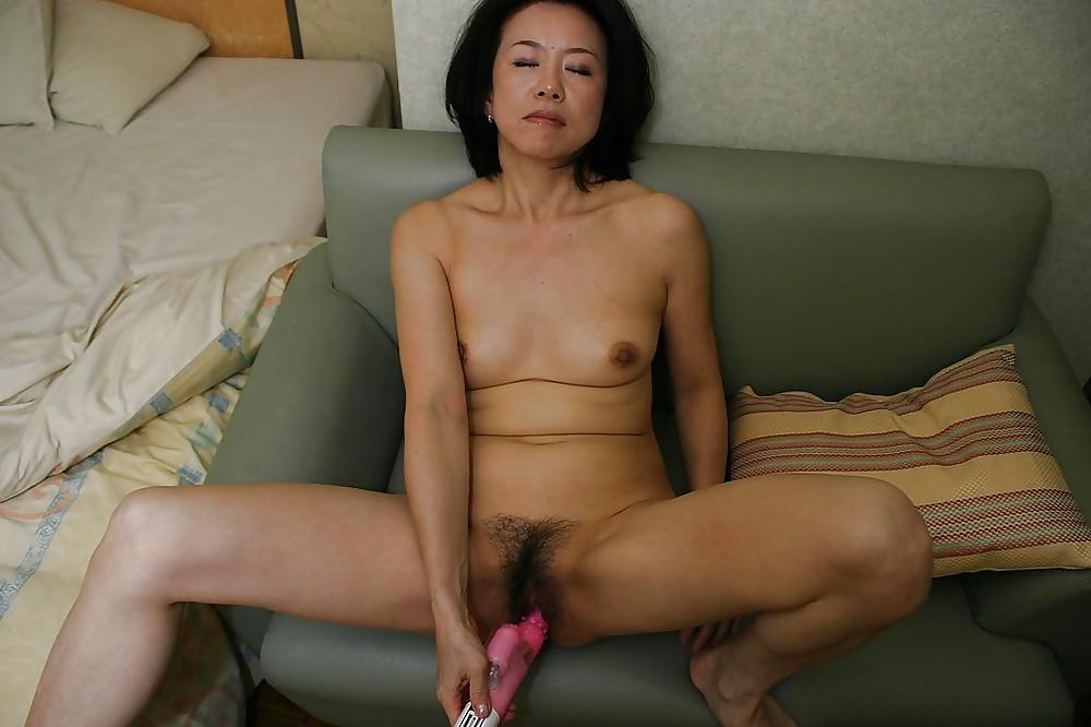 Зрелая мама азиатка порно ролик